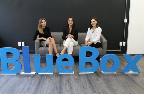 mujeres BlueBox