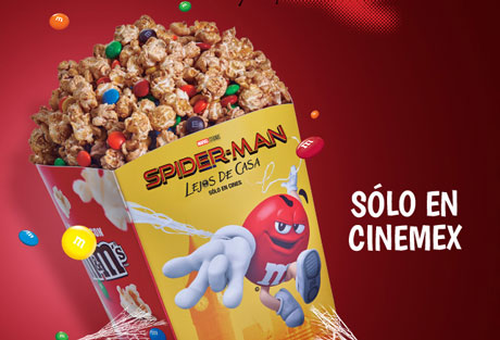 palomitas con M&M's Cinemex
