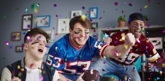 latinos que asisten al Super Bowl